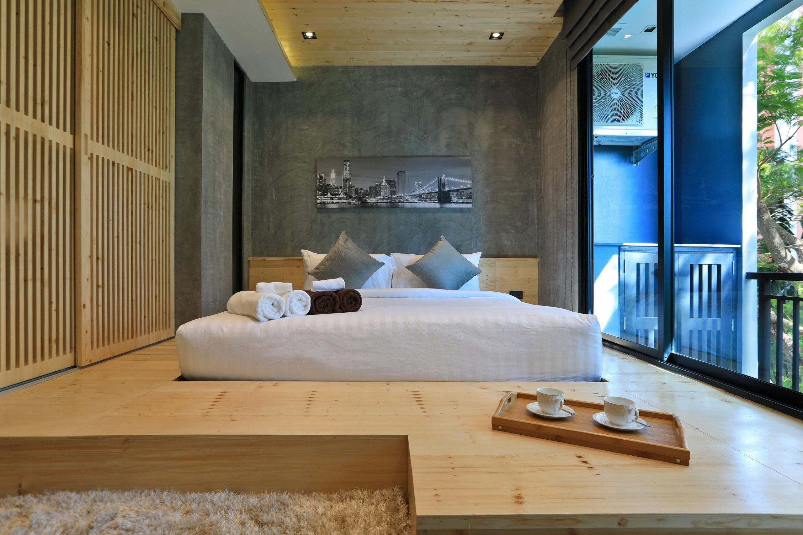 Спальня в кондо Релайф Винди в районе Найхарн.